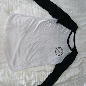 Crop sleeve shirt